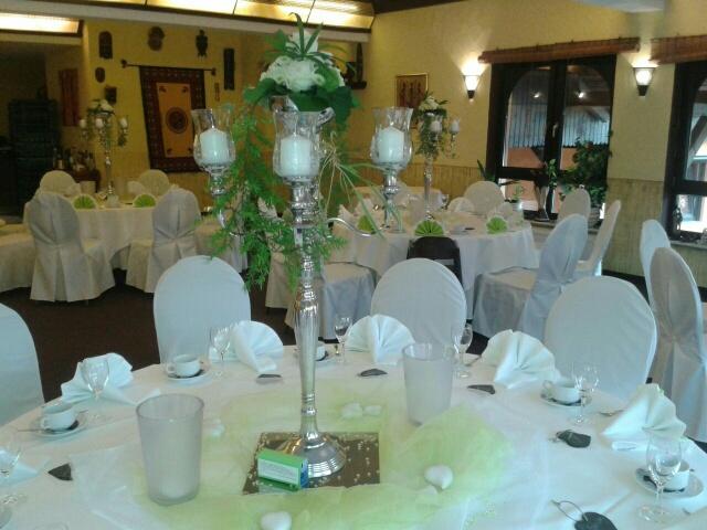 Tischdeko mit Silberleuchter